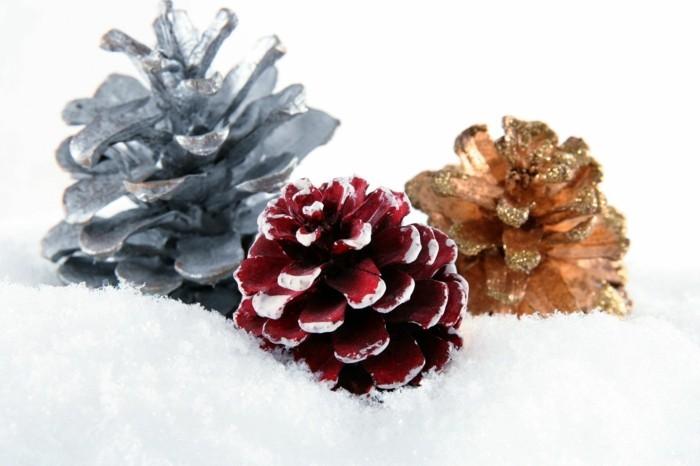 basteln mit zapfen farbe glitzer weihnachtsdeko selber machen