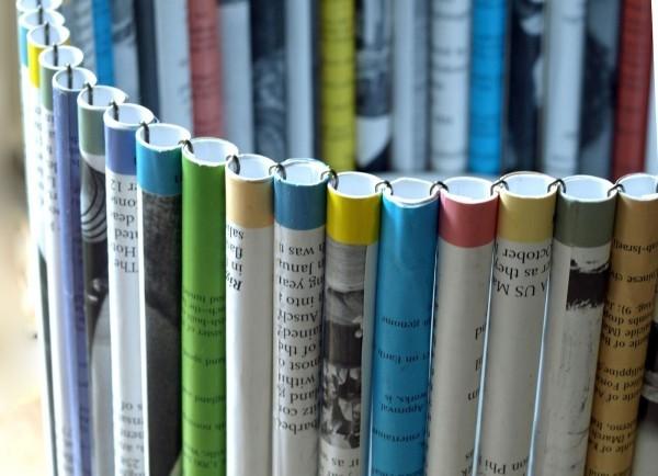 basteln mit zeitungspapier farbig kreativ bastelideen