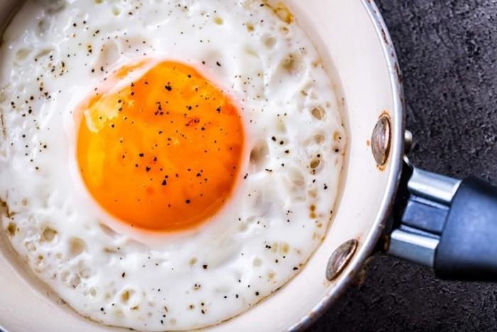 gebratenes Ei sättigt viel Energie