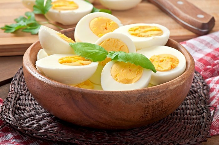 gekochte Eier gesundes Frühstück