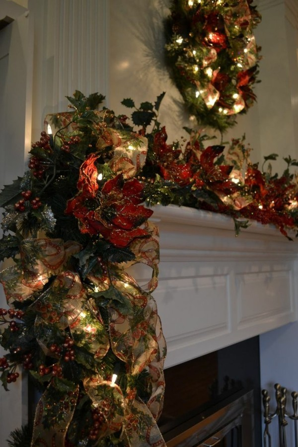 grüne zweige weihnachtskamin dekorieren deko lichter