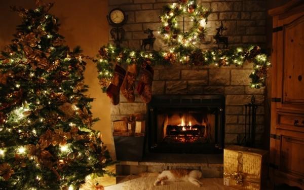 grüne zweige weihnachtskamin weihnachten kamin deko
