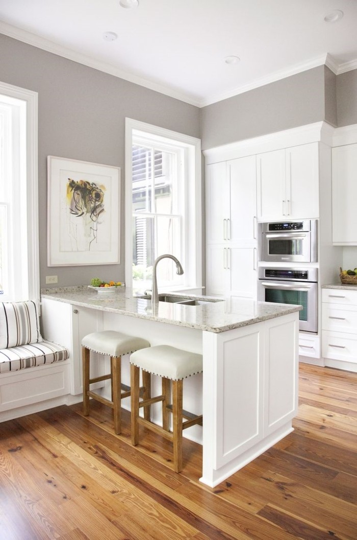 holzverkleidung küche weiße einrichtung graue wandfarbe