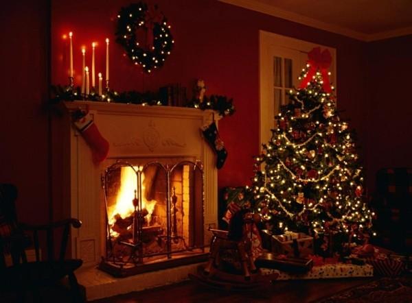 im dunklen weihnachtskamin weihnachten kamin deko