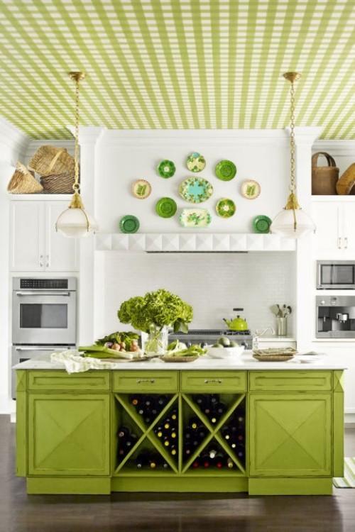 küche mit kochinsel kücheninsel mit stauraum grüne zimmerdecke