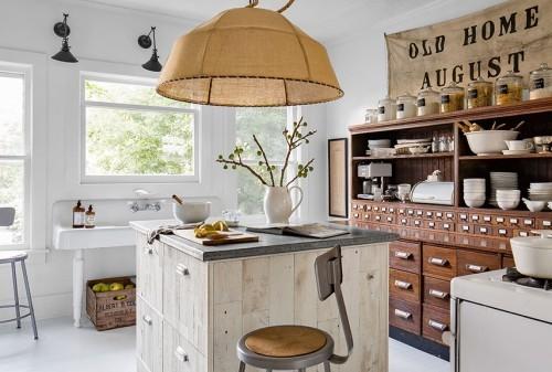 küche mit kochinsel modernes design riesengroßer lampenschirm