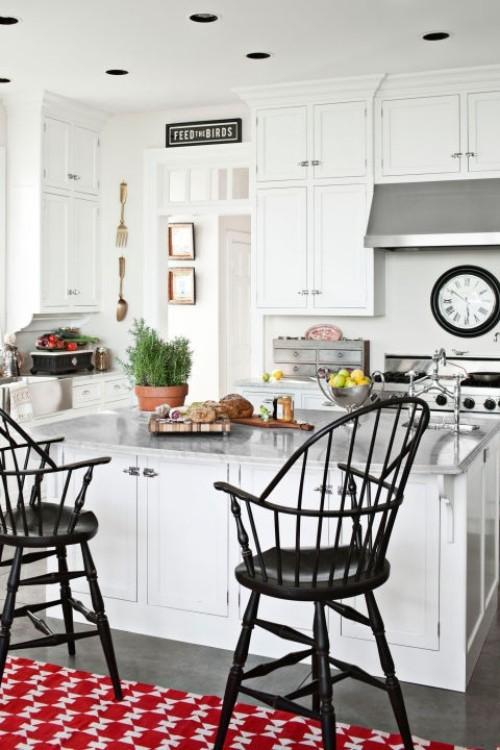 küche mit kochinsel roter teppich weiße küchenmöbel