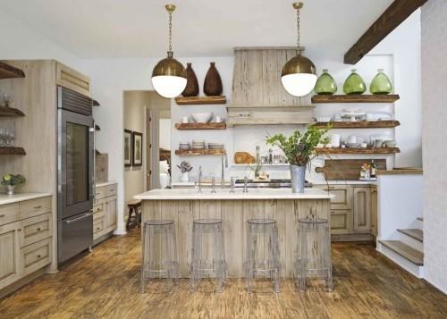 küche mit kochinsel schöne holzoptiken offene wandregale