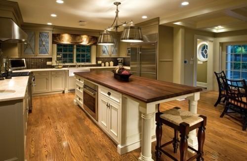 küche mit kochinsel stilvolles design große küche funktional einrichten