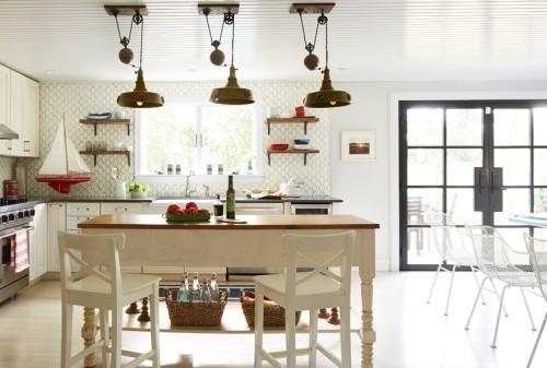 küche mit kochinsel tapete industrielle hängelampen
