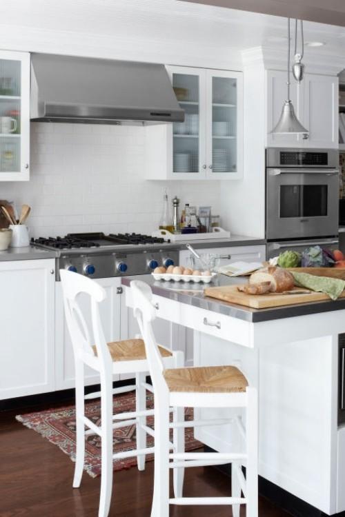 küche mit kochinsel teppichläufer hängelampe
