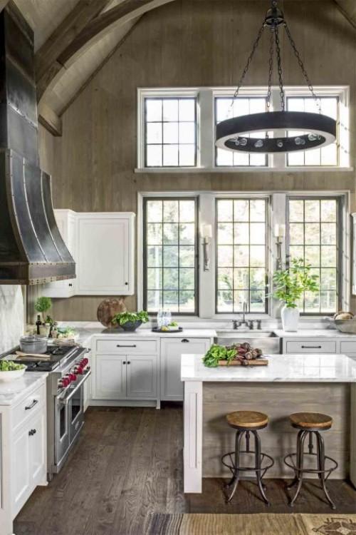 küche mit kochinsel weiße küchenschränke schöner leuchter