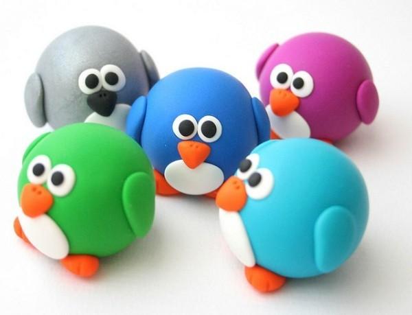 kleine vögel basteln mit fiom bunte farben