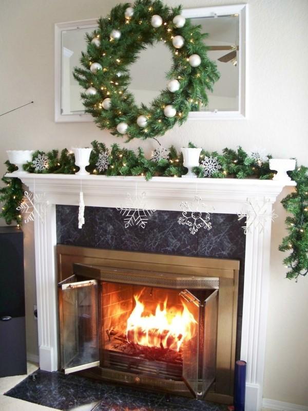 kranz weiße elemente weihnachtskamin weihnachten kamin deko