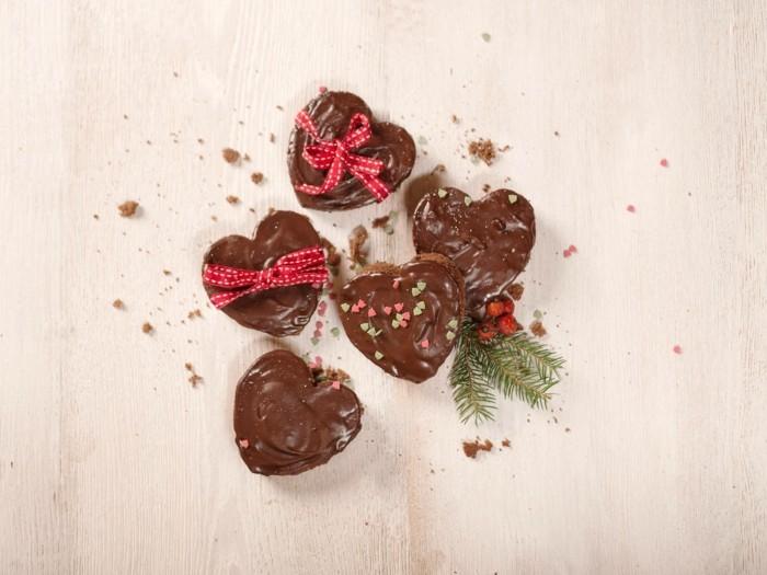 lebkuchenherzen mit schokolade
