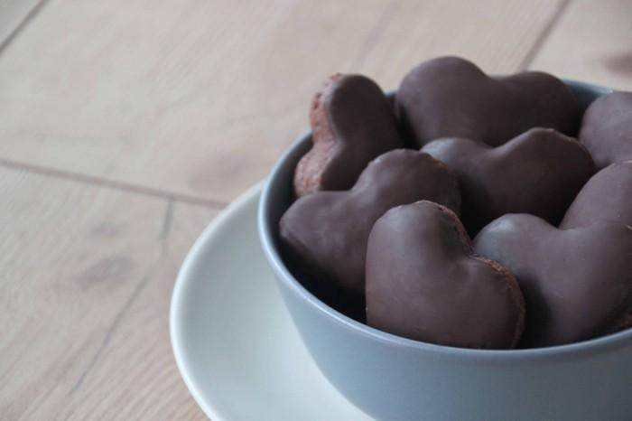 lebkuchenherzen dunkle schokolade