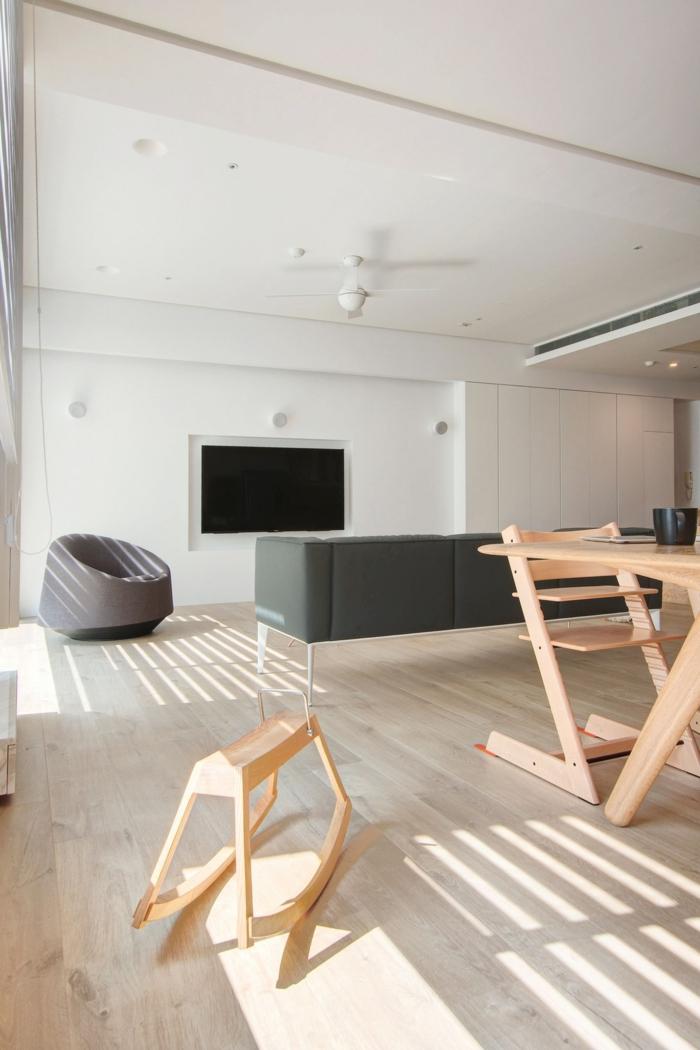 minimalistisch wohnen holzmöbel hölzerner bodenbelag
