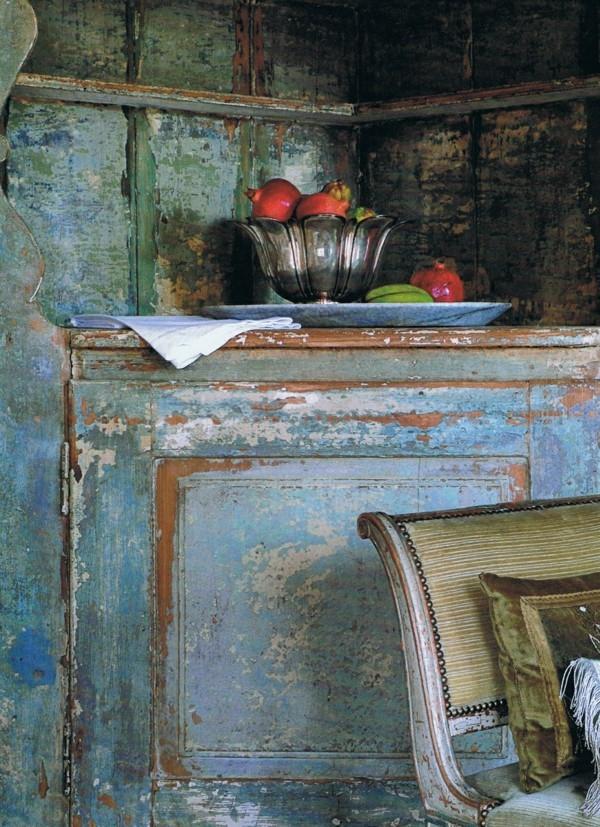 modern einrichten antike patina blaue patina möbel