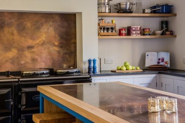 modern einrichten wohnideen küche patina effekt küchenrückwand