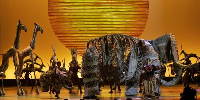 Musical die Bühne der König der Löwen