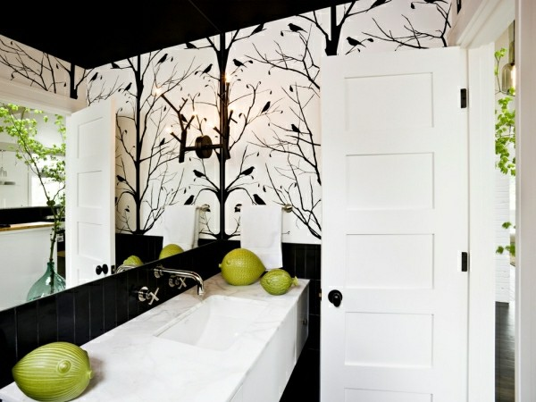naturnahes badezimmer schwarze elemente