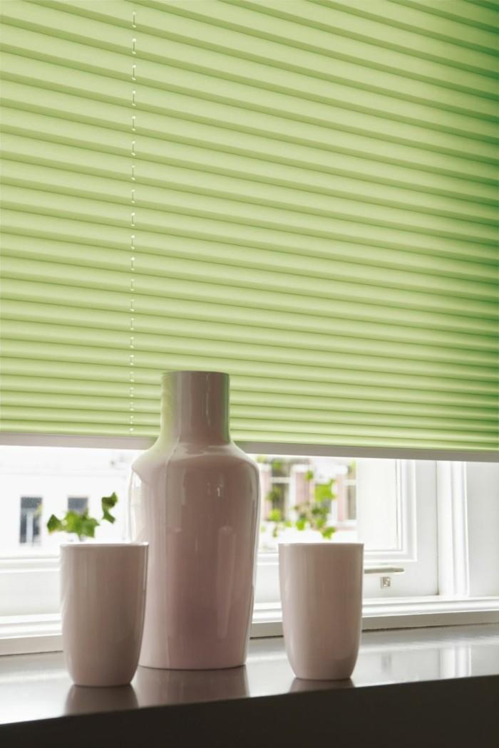plissees grünes design weiße dekovasen fensterbrett dekorieren