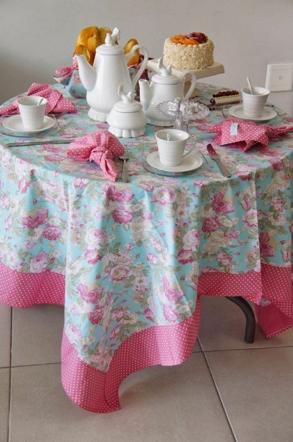 rosa und anderer romatische farben tischdecken idee