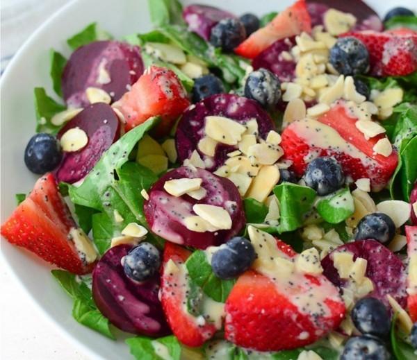 rote beete erdbeeren blaubeeren salat fatburner rezepte