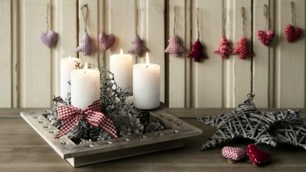 rustikalen adventskranz selber machen weisse kerzen zapfen