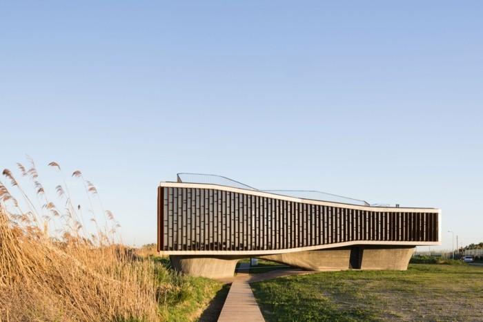 schöne Felder moderne Architektur