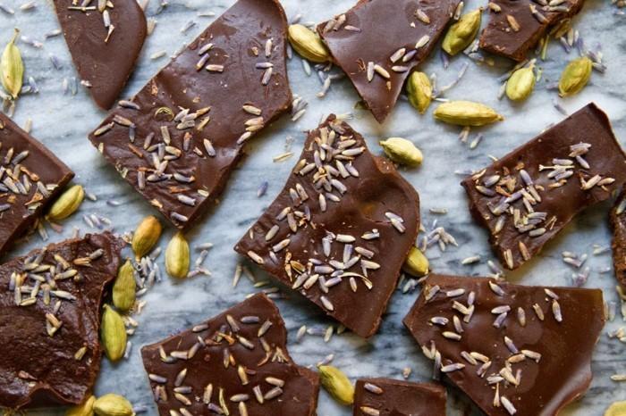 schokoladentafel gestalten lavendel kardamom geschenk selber machen