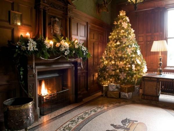 schwarzer weihnachtskamin weihnachten kamin deko