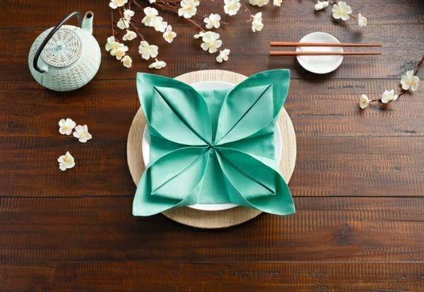 servietten falttechnik romantische anlässe