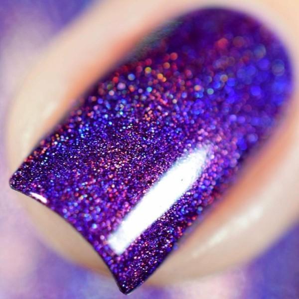 ultra violet nageldesign pantone farbe des jahres