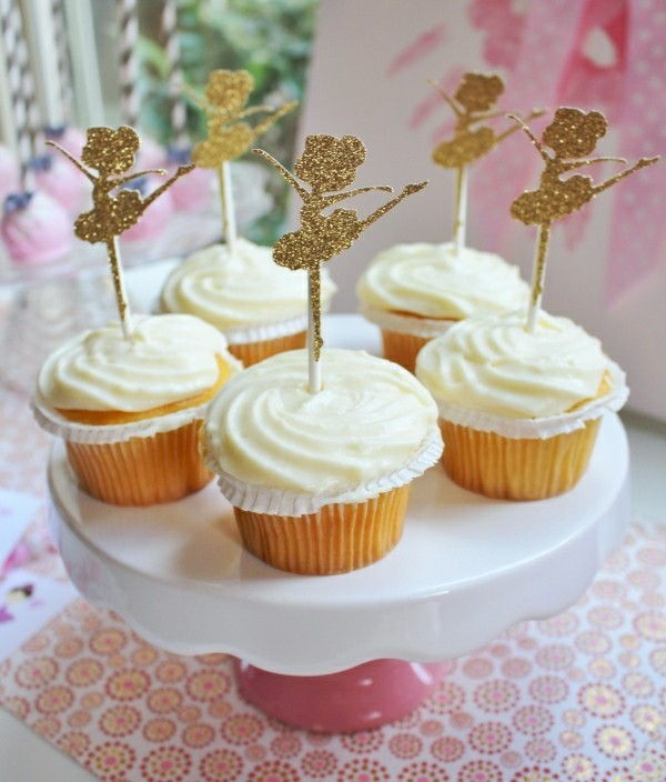 weiße Cupcakes Kinderparty deko