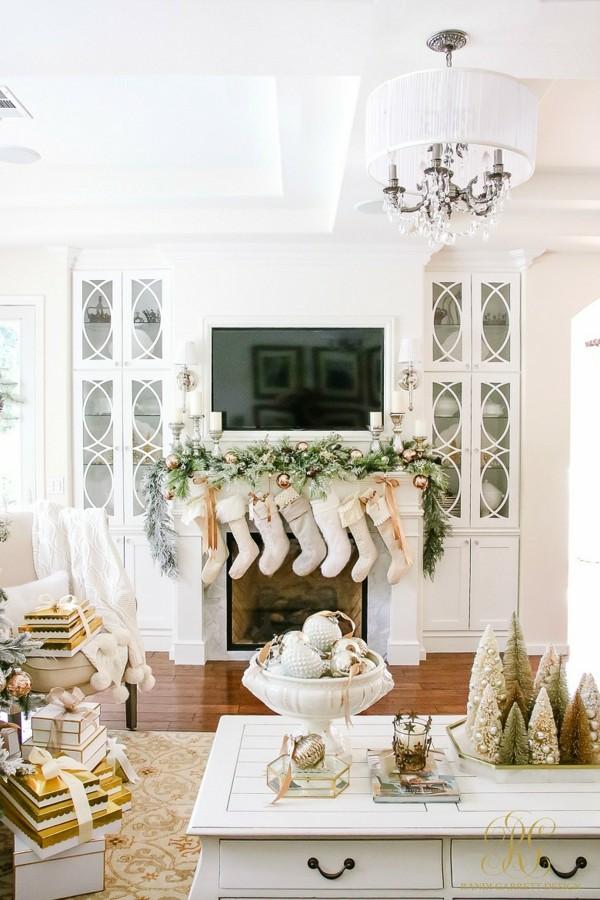 weißer weihnachtskamin weihnachten kamin deko stiefel