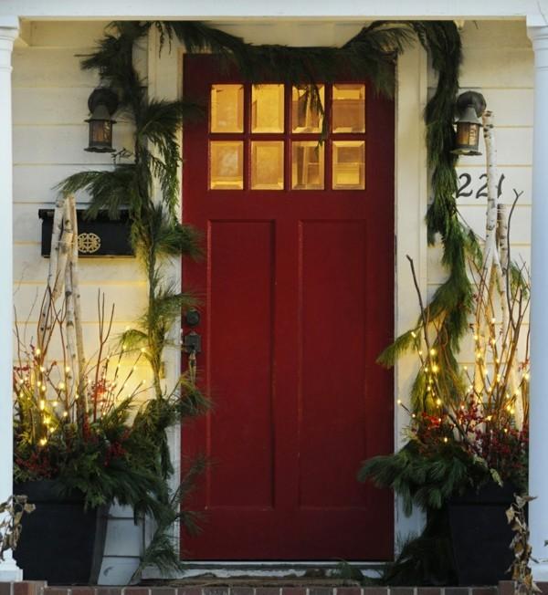 weihnachtsdeko hauseingang dezent fröhliche stimmung