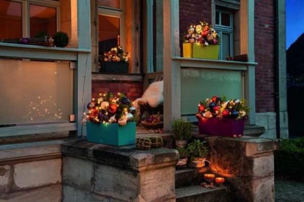 Outdoor Weihnachtsdeko.Weihnachtsdeko Hauseingang Breitet Festliche Stimmung Aus 44