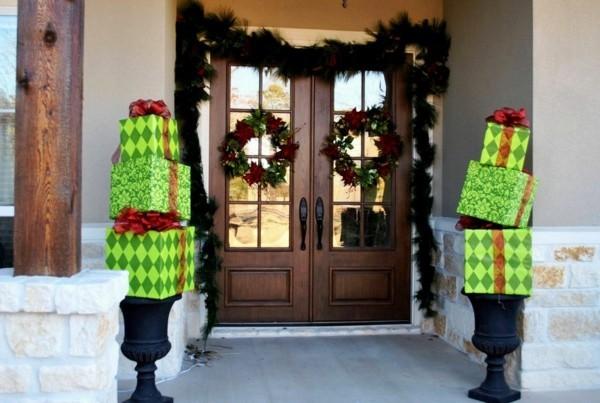 weihnachtsdeko hauseingang türkränze weihnachtsgeschenke