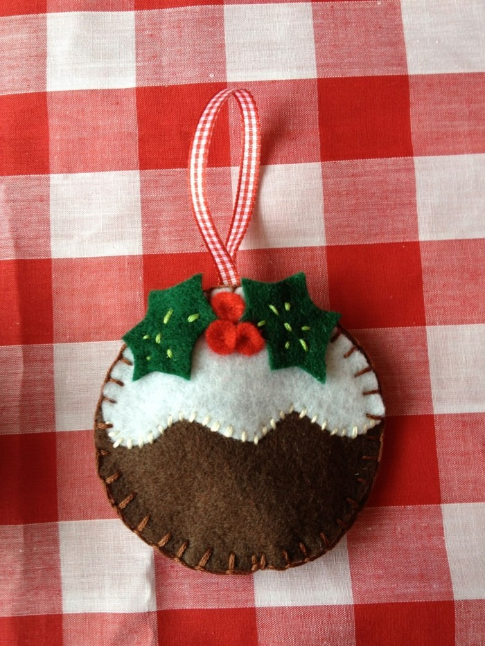 weihnachtsdeko nähen aus filz origineller weihnachtsbaumschmuck