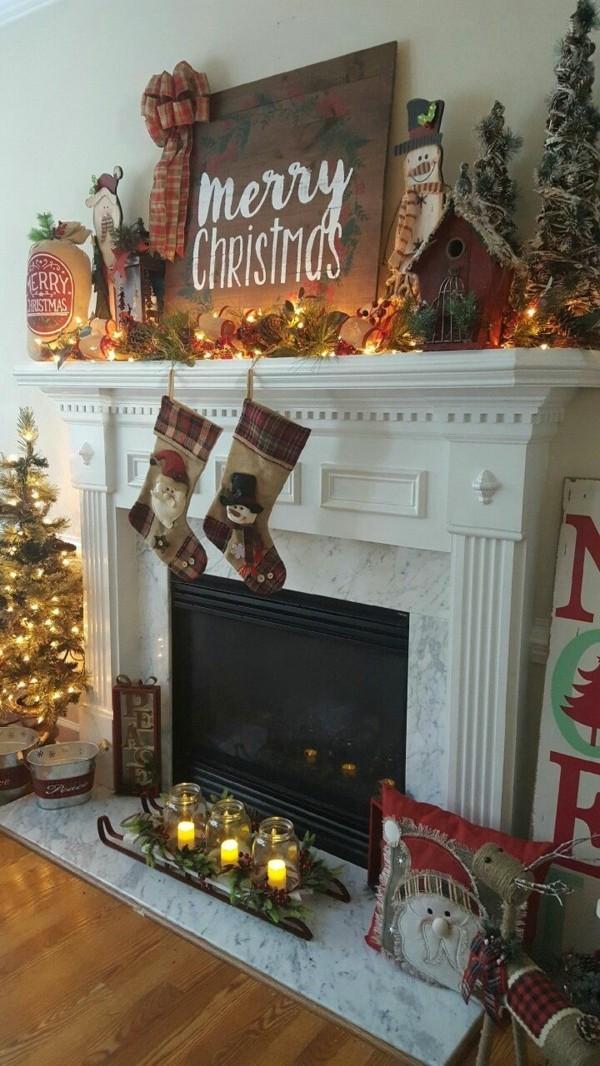 weihnachtskamin weihnachtsdeko bild über dem kamin