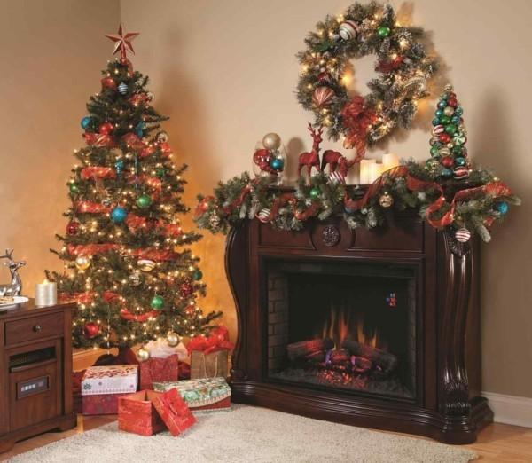 weihnachtskamin weihnachtsdeko grüner kranz