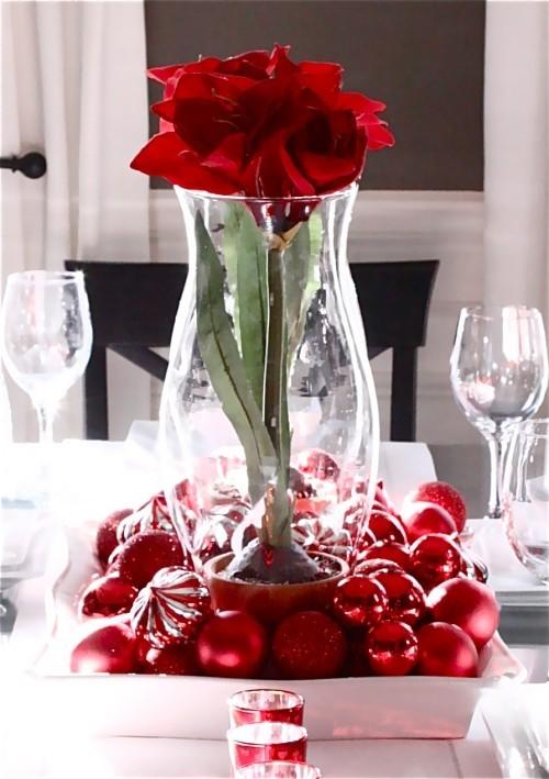 DIY Valentinstag romantische Tischdeko Tischdeko Valentinstag Blumen Kugeln