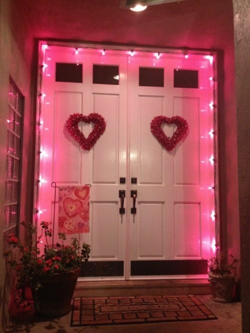 Lichterketten in rosa als Dekoration