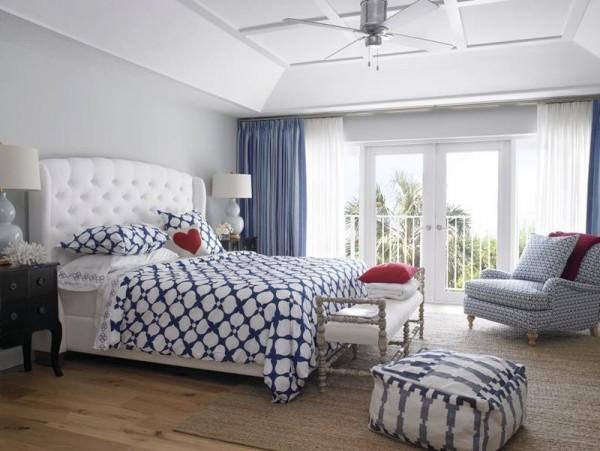 Schlafzimmer Ideen nautisches Farbduo Blau weiß