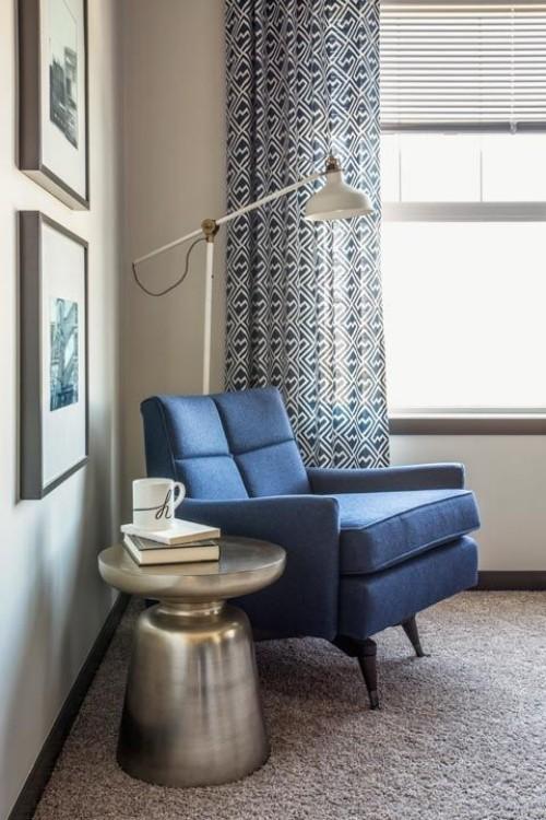 Sessel runder Tisch Metall Harmonie im Interieur
