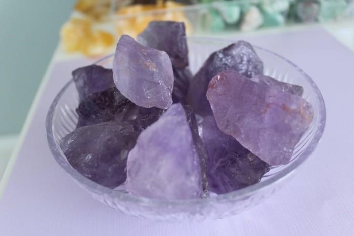 amethyst wirkung edelsteine bedeutung anhaenger herz stein
