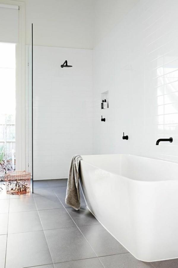 ausgewählte schwarze akzente badezimmer einrichtung