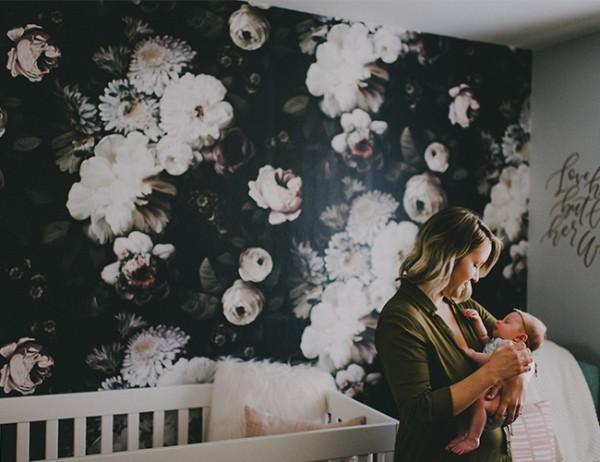 babyzimmer tapeten pfingstrosen wanddeko ideen