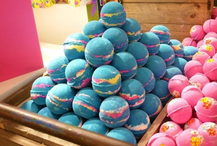 badepralinen selber machen badekugel selbermachen blau rosa